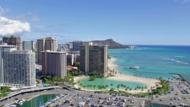 vidéos et rushes de magic island & diamond head in honolulu, hawaii - îles hawaï