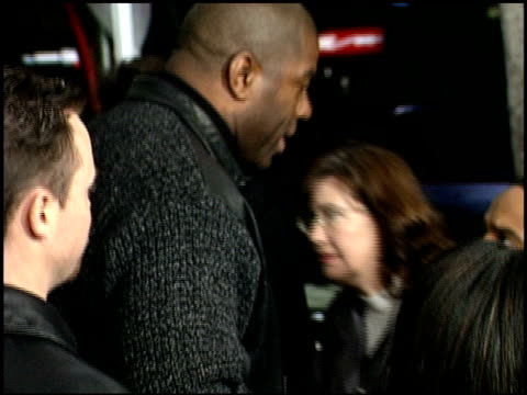 magic johnson at the 'down to earth' premiere at grauman's chinese theatre in hollywood california on february 12 2001 - magic johnson stock-videos und b-roll-filmmaterial