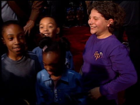 magic johnson at the 'harry potter' premiere on november 14 2001 - magic johnson stock-videos und b-roll-filmmaterial