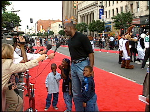 magic johnson at the 'space jam' premiere arrivals at grauman's chinese theatre in hollywood, california on november 10, 1996. - 1996 stock videos & royalty-free footage
