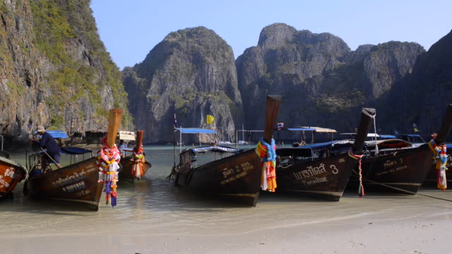 maha bay, koh phi phi le, thailand - phi phi islands stock videos & royalty-free footage