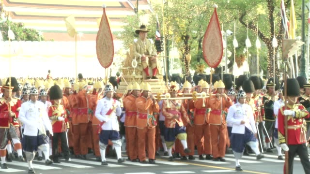 maha vajiralongkorn bodindradebayavarangkun the new king of thailand is carried during a procession outside the grand palace in bangkok - king of thailand stock videos and b-roll footage