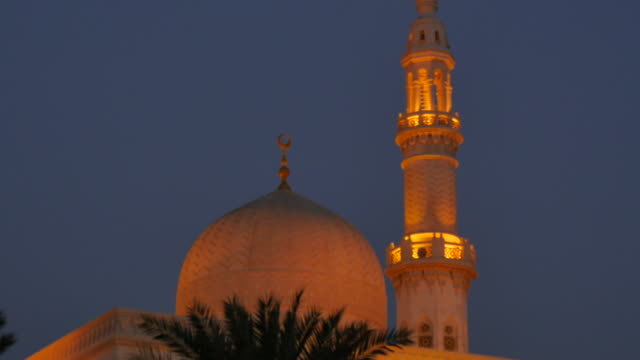 maharba mosque near jumeirah beach at dusk, dubai, united arab emirates, middle east, asia - minaret stock videos & royalty-free footage