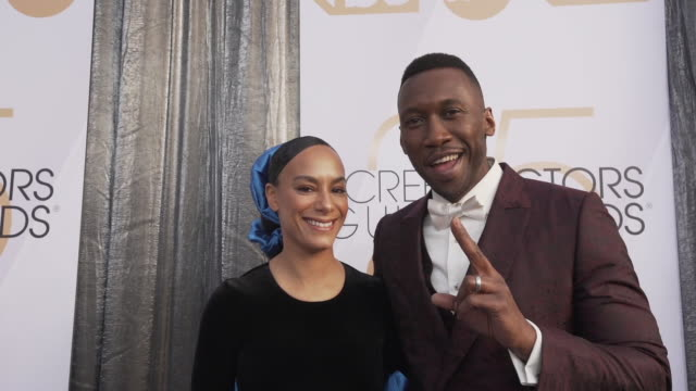 mahershala ali amatus samikarim at the 25th annual screen actors guild awards at the shrine auditorium on january 27 2019 in los angeles california - best supporting actor stock videos & royalty-free footage