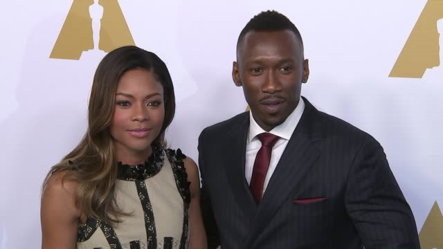mahershala ali and naomie harris at the 89th annual academy awards nominee luncheon at the beverly hilton hotel on february 06, 2017 in beverly... - the beverly hilton hotel点の映像素材/bロール