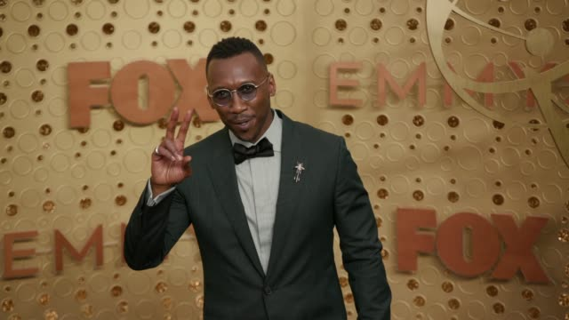 mahershala ali at the 71st emmy awards at microsoft theater on september 22, 2019 in los angeles, california. - emmy awards stock-videos und b-roll-filmmaterial