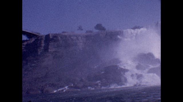 vídeos de stock e filmes b-roll de 1961 maid of the mist - barco de passeio maid of the mist