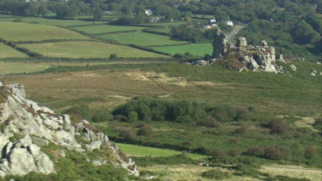 maiden castle rocks - ペンブローク点の映像素材/bロール