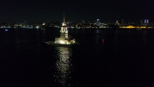 maiden's tower in istanbul - bandiera video stock e b–roll