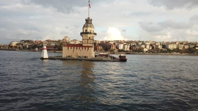 stockvideo's en b-roll-footage met maagdentoren istanbul - istanboel