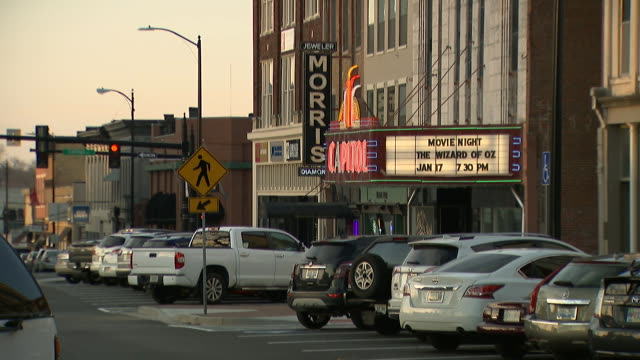 main street in louisville, kentucky. - small town america stock videos & royalty-free footage