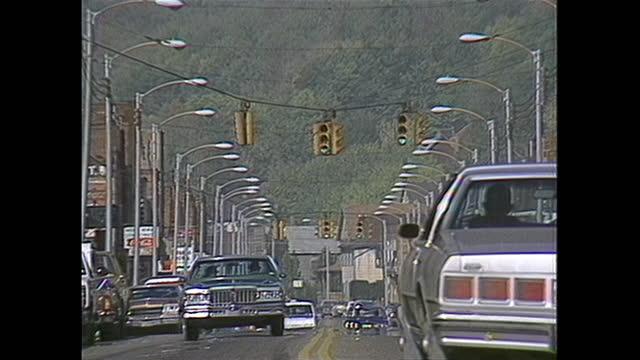 stockvideo's en b-roll-footage met main street in midland, pennsylvania. - straatnaambord
