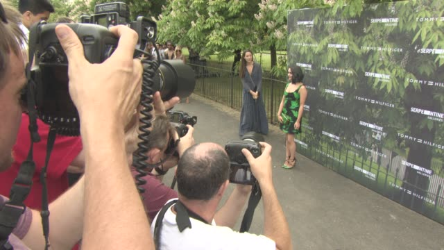 maisie williams at the serpentine gallery summer party at the serpentine gallery on july 06 2016 in london england - the serpentine gallery stock videos & royalty-free footage