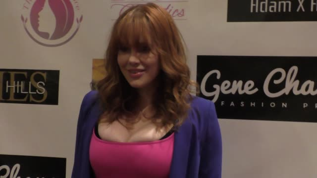 vídeos de stock, filmes e b-roll de maitland ward baxter at the 'reel haute' in hollywood international couture fashion show at the beverly hilton hotel in beverly hills at celebrity... - maitland ward