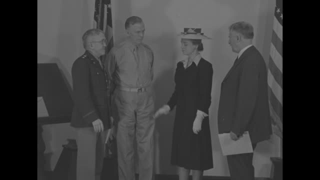 maj gen myron c kramer administers oath of office to oveta culp hobby as she assumes the rank of major in the new women's army auxiliary corps l to r... - womens army corps stock videos & royalty-free footage