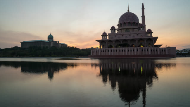 majestic sunrise at putrajaya mosque. - putrajaya stock videos & royalty-free footage