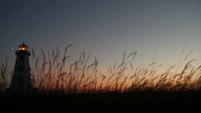 Majestätischen Sonnenuntergang über Leuchtturm auf Prince Edward Island