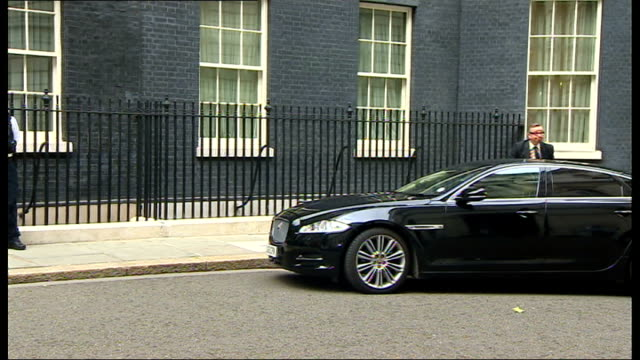 major cabinet reshuffle: more women selected / michael gove replaced as education secretary; michael gove mp arriving at number 10 - 内閣改造点の映像素材/bロール
