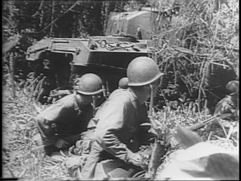 major general robert s beightler on the front with the american 37th infantry division fighting the japanese 6th division in the jungle / japanese... - stillahavskriget bildbanksvideor och videomaterial från bakom kulisserna