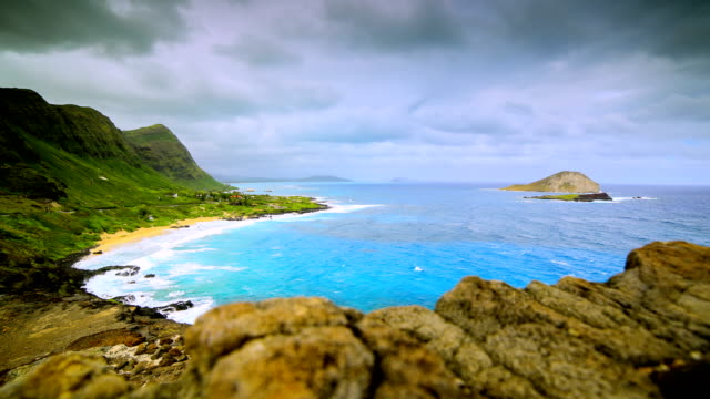 makapuu lookout, oahu - oahu stock videos & royalty-free footage