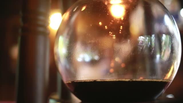 il caffè con - bricco per il caffè video stock e b–roll