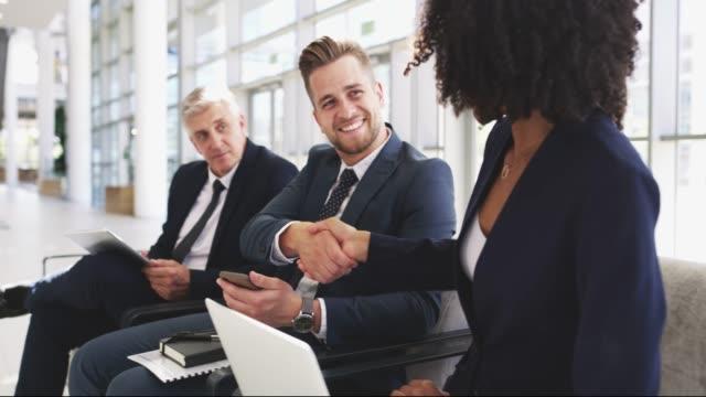 vídeos de stock e filmes b-roll de make more connection and you'll have more success - procurar emprego