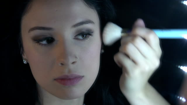 vídeos de stock, filmes e b-roll de maquiagem-blush - blush