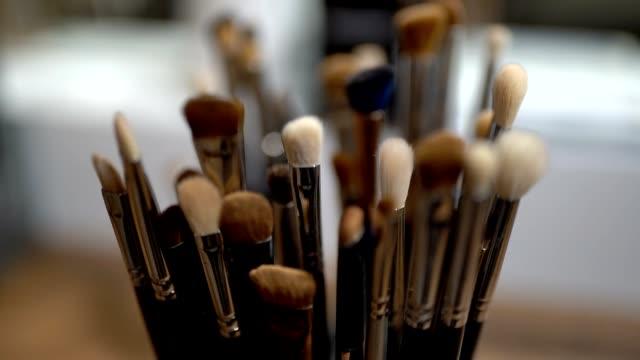 make up brushes set in box - blusher stock videos & royalty-free footage