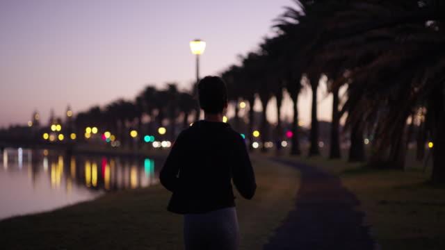 vídeos y material grabado en eventos de stock de haga de su salud una prioridad - autodisciplina