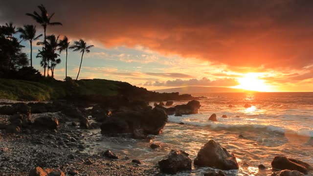 makena sunset on the beach - hawaii islands stock videos & royalty-free footage