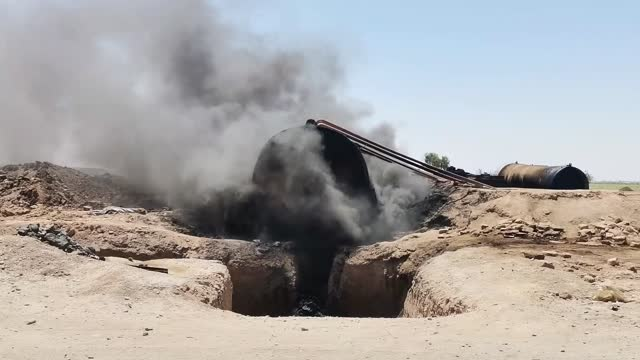 vidéos et rushes de makeshift oil refineries used by the ypg/pkk terror group in eastern syria cause significant harm to public health and the environment, locals told... - professional occupation