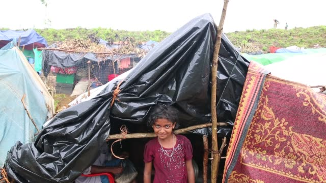 cox's bazar bangladesh august 30 makeshift shelters of rohingya muslims are seen in bangladeshmyanmar border and enter no man's land in gumdum area... - cox's bazar stock videos & royalty-free footage