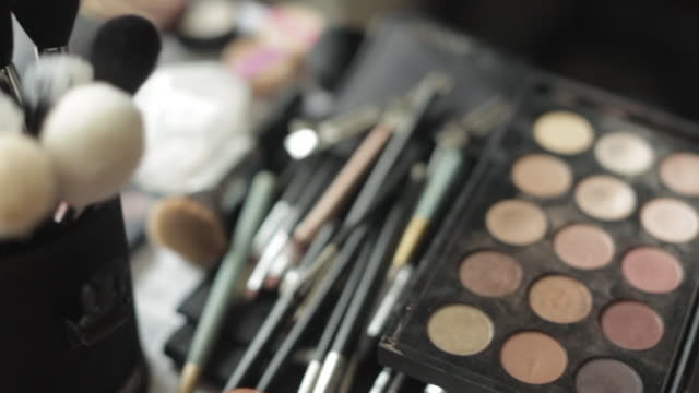 Make-up and Cosmetic Brushes