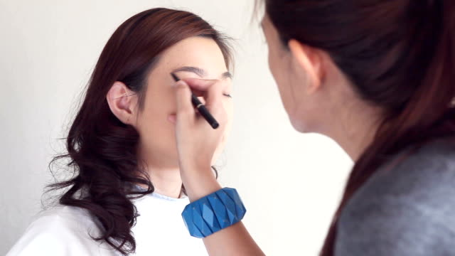 Make-Up Artist,