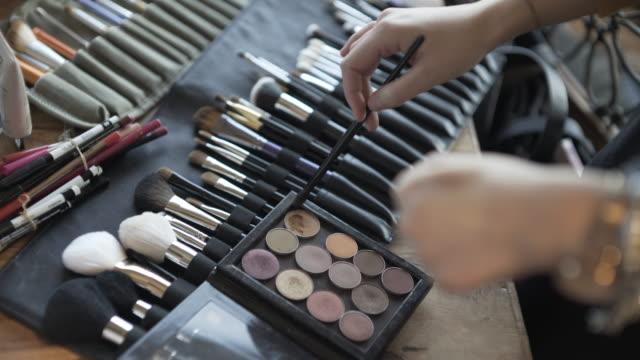 make-up makeover - フェイスブラシ点の映像素材/bロール