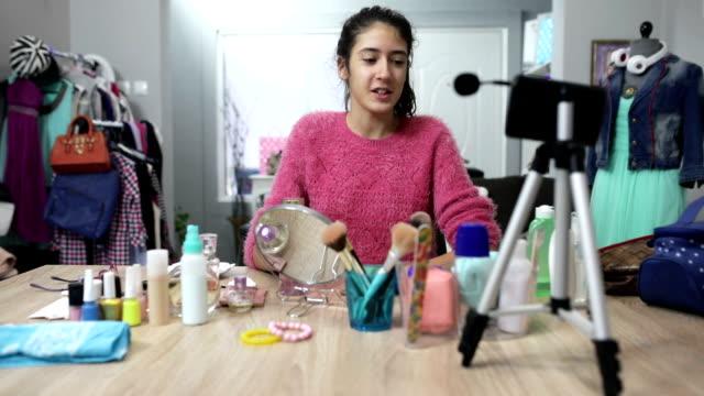 makeup vlogging - blogging stock videos & royalty-free footage