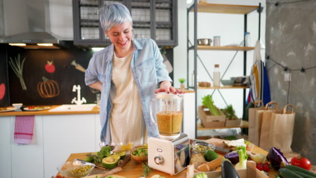 making a healthy morning meal - smoothie stock videos & royalty-free footage