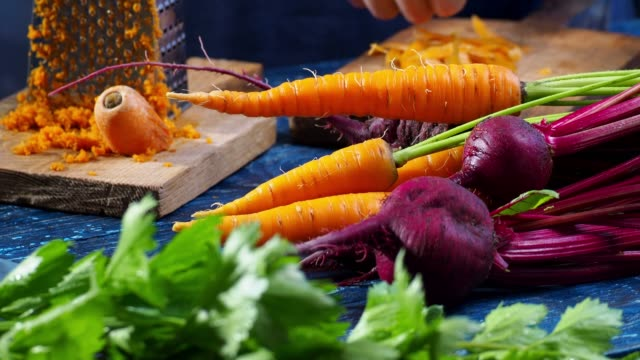making carrot juice - detox stock videos & royalty-free footage
