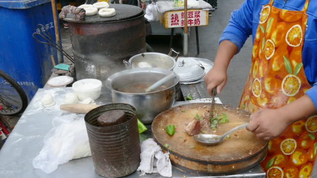 making chinese hamburger, tianjin, china - concession stand stock videos and b-roll footage