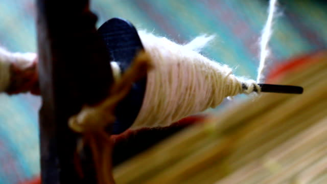 le filettature di cotone - tessere video stock e b–roll
