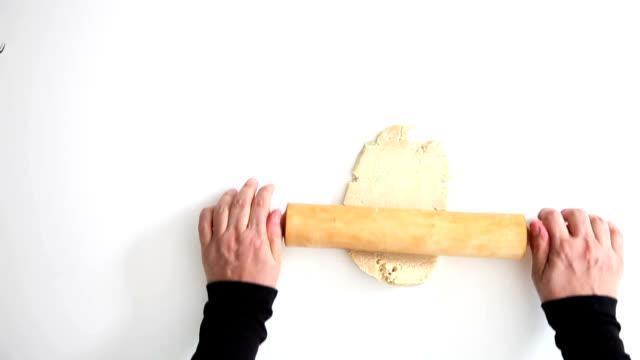 vidéos et rushes de la pâte à pétrir  - plat