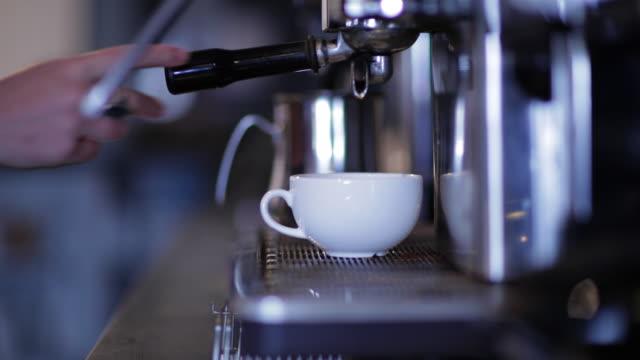 Making espresso coffee