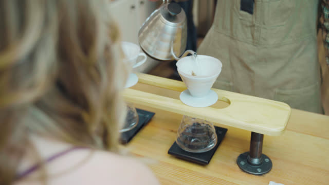making fresh coffee - seattle coffee stock videos and b-roll footage
