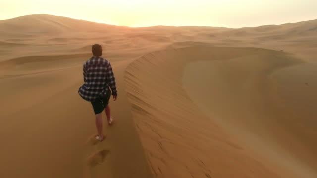 Faire son chemin à travers le désert