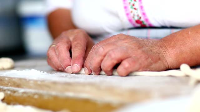 Making home made macaroni