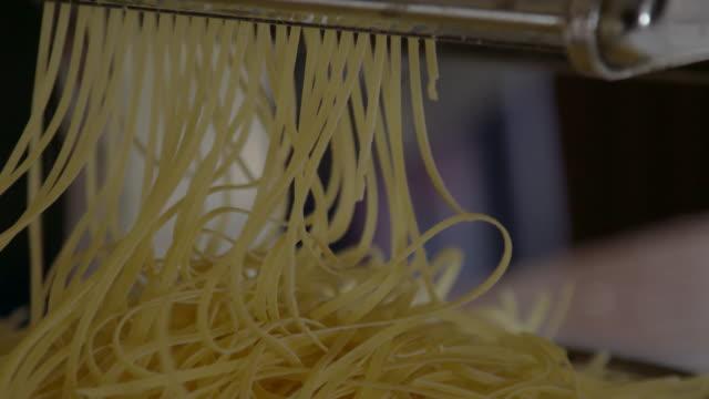 cu, selbstgemachte pasta - freshness stock-videos und b-roll-filmmaterial