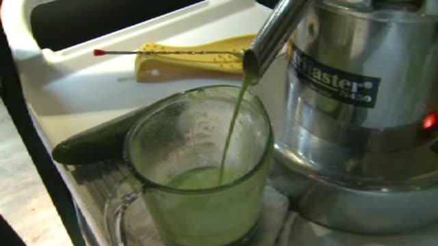 KDAF Making Juice At Juice Bar on December 10 2011 in Dallas Washington