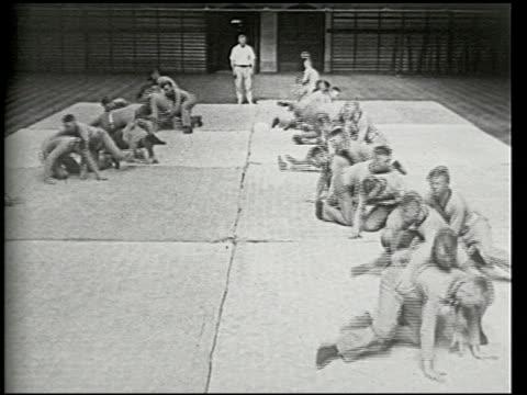 vídeos y material grabado en eventos de stock de making man-handlers' at west point - 5 of 12 - making man handlers' at west point