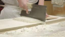 making soba noodle