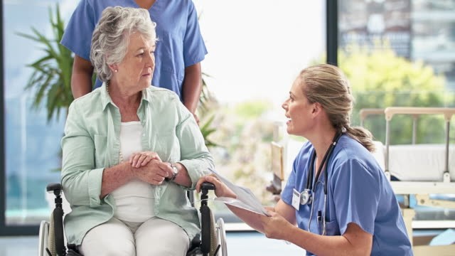 making sure her patient understands the diagnosis - nursing assistant stock videos and b-roll footage